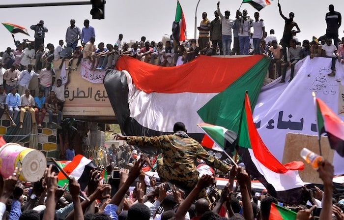 sudan-crisis:-military-council-arrests-former-government-members