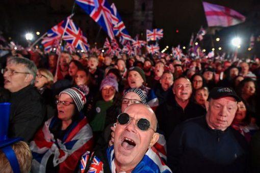 Britain oo si rasmi ah xaly uga baxay Midowga Yurub iyo dabaaldegyo dhacay