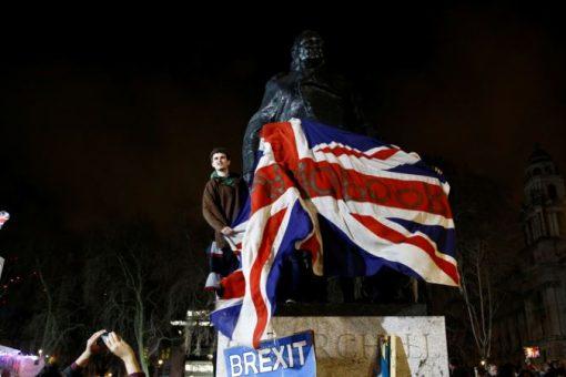 Britain oo ka Baxday Midowga Yurub