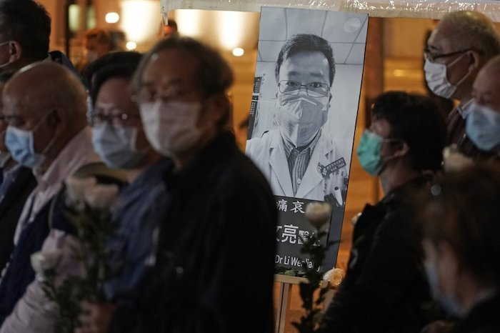 anger-and-virus-cases-grow-in-china-with-722-total-deaths