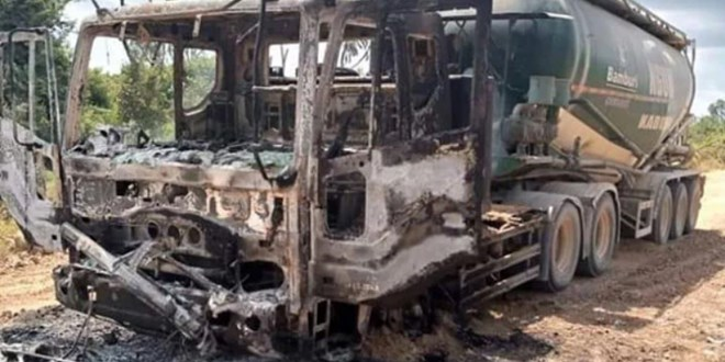al-shabaab-militants-burn-construction-vehicles-in-lamu