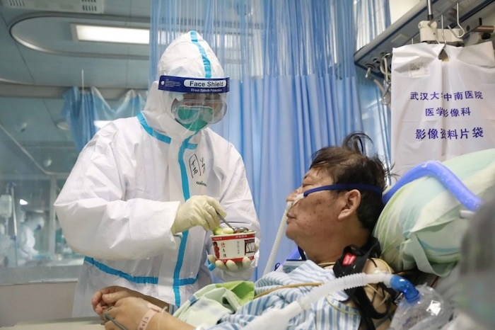 un-health-agency-goes-to-china-as-mainland-deaths-rise-above-900