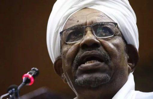 Sudan to hand over Omar al-Bashir to ICC for Darfur crimes