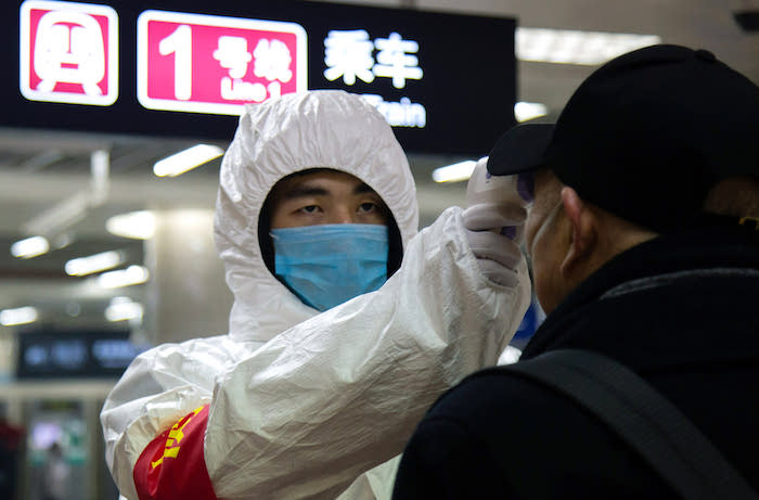 china-expels-foreign-journalists-as-coronavirus-deaths-climb