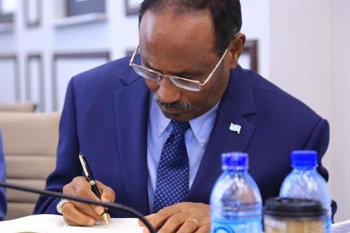 Hay'adda lacagta adduunka oo sheegtay somalia in ay gaartay heerkii deynta looga cafin lahaa