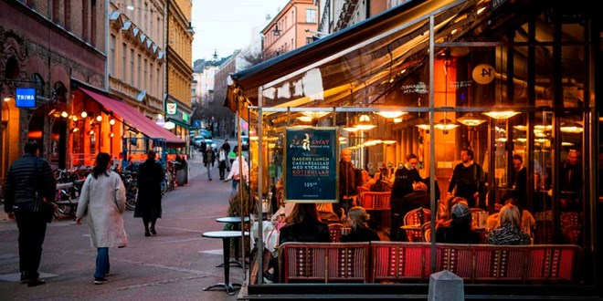 sweden-snubs-coronavirus-lockdown-with-schools,-restaurants-still-open