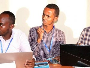 keeping-students-connected-in-somalia