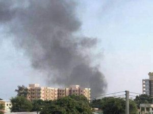 suicide-car-bomber-explodes-outside-somali-military-base