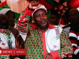 dad-dhagax-tuuray-kolonyo-uu-la-socday-madaxweyne-oo-lagu-xukumay-xabsi-30-sano-ah