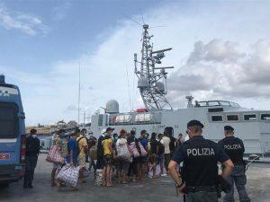 italy-returns-refugees-to-sea,-to-quarantine