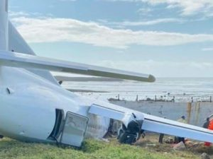 kenyan-cargo-plane-crash-lands-at-aden-adde-airport
