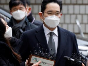 samsung's-lee-receives-two-and-a-half-year-jail-term-from-seoul-court