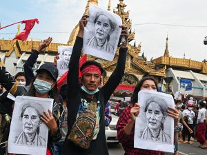 myanmar-forces-fire-warning-shots-at-protesters,-witnesses-say
